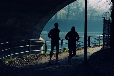 ¿Se debe comer antes de realizar ejercicio físico?
